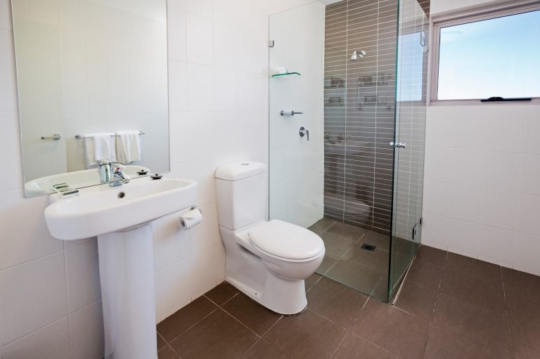 one bedroom executive bathroom