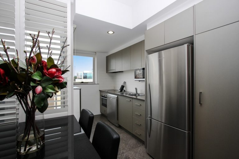 one bedroom spa kitchen with flowers